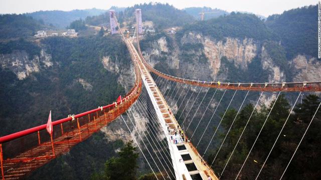 9. Zhangjiajie Canyon, Trung Quốc, dự kiến mở cửa tháng 5/2016.