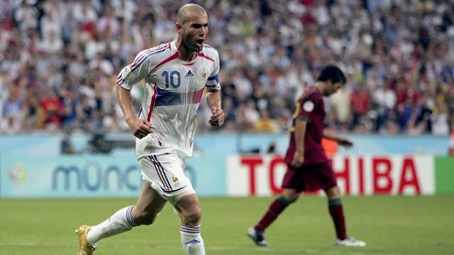 Zidane hai lần khiến người Bồ uất hận.
