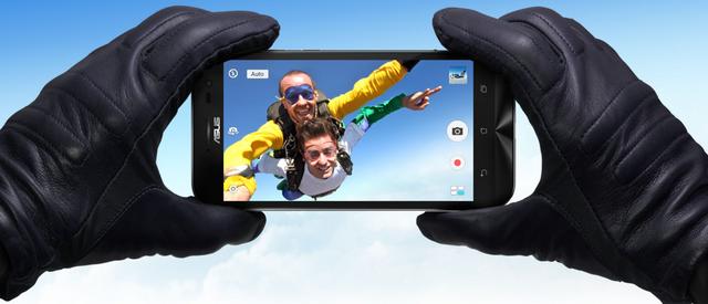 Camera trước của ZenFone Zoom có độ phân giải 5MP f/2.0, thấu kính góc nhìn rộng 88 độ