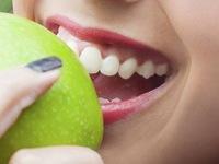 5 loại thực phẩm cho nụ cười trắng sáng
