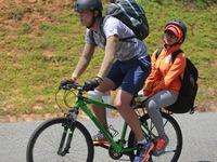Cuộc đua kỳ thú 2016: Tay đua phá sức khi đạp xe trên cung đường dốc ở Côn Đảo
