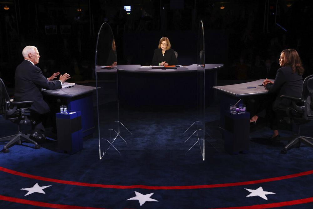 Tranh luận ứng viên Phó Tổng thống: Bớt hỗn loạn nhưng vẫn nhiều điểm nóng - Ảnh 10.