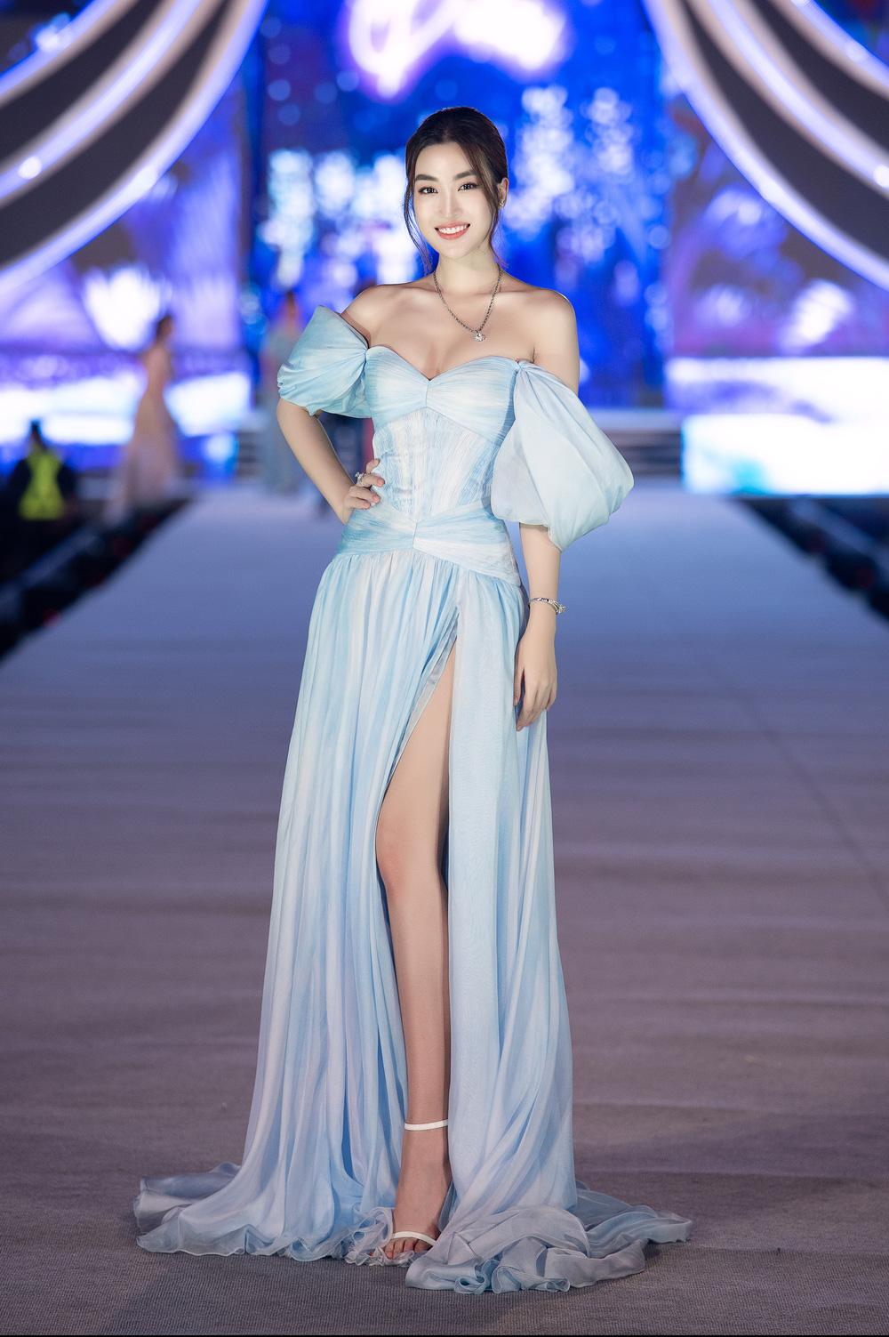 Thụy Vân khoe dáng nóng bỏng bên dàn Hoa hậu, Á hậu - Ảnh 3.