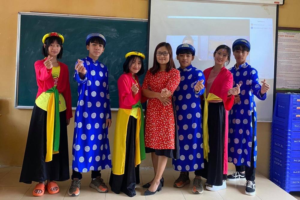 Học sinh thích thú đọc Rap trong tiết dạy tiếng Anh của cô giáo toàn cầu Hà Ánh Phượng - Ảnh 2.