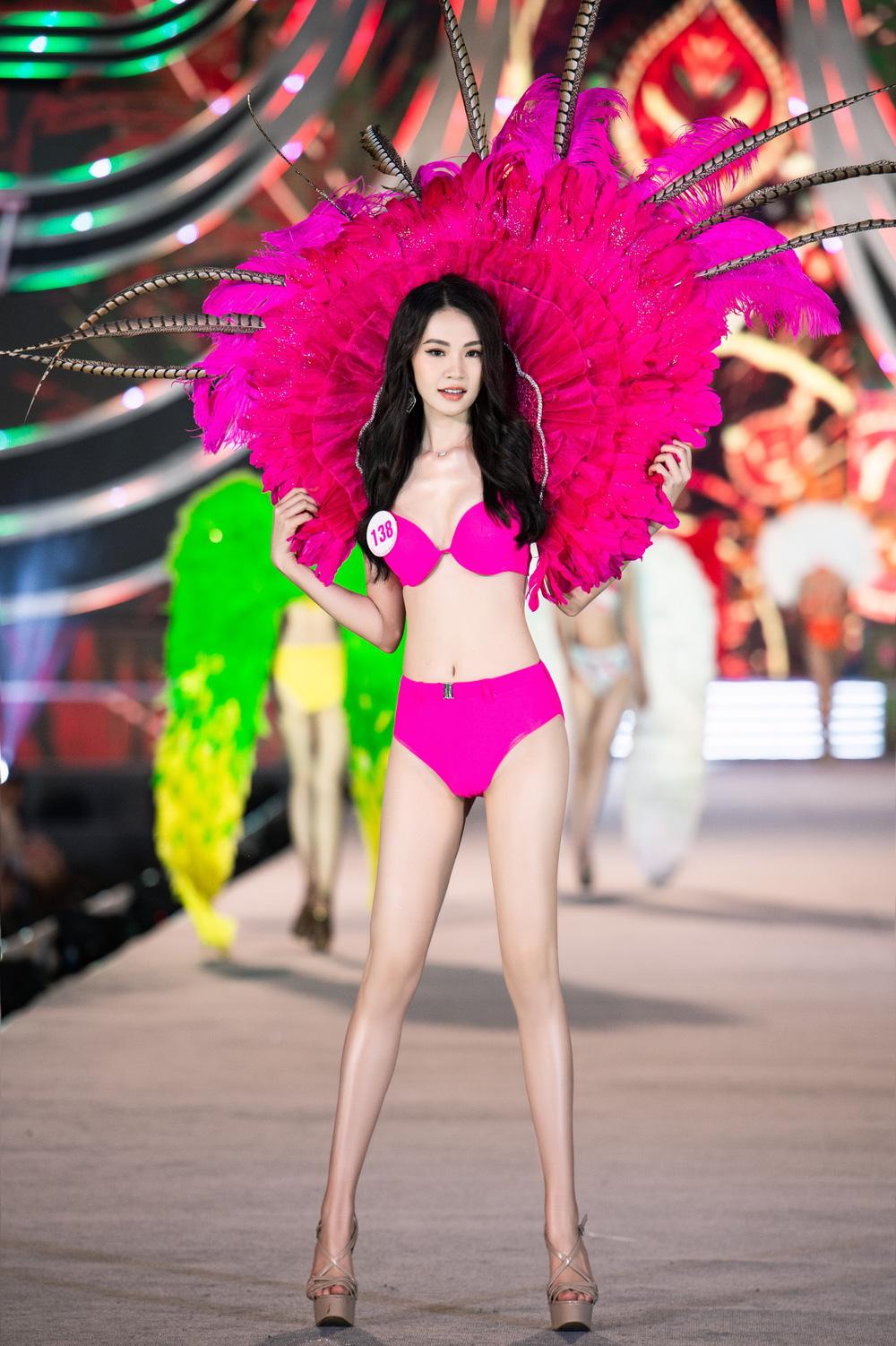 Thí sinh Hoa hậu Việt Nam 2020 trình diễn bikini bốc lửa - Ảnh 5.