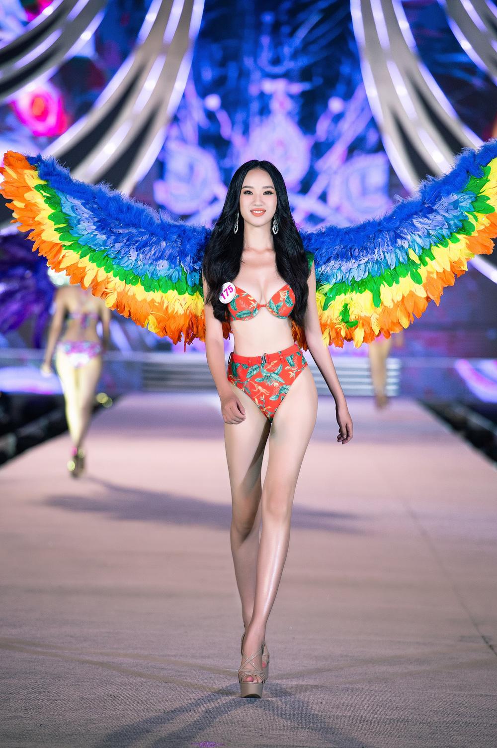 Thí sinh Hoa hậu Việt Nam 2020 trình diễn bikini bốc lửa - Ảnh 13.