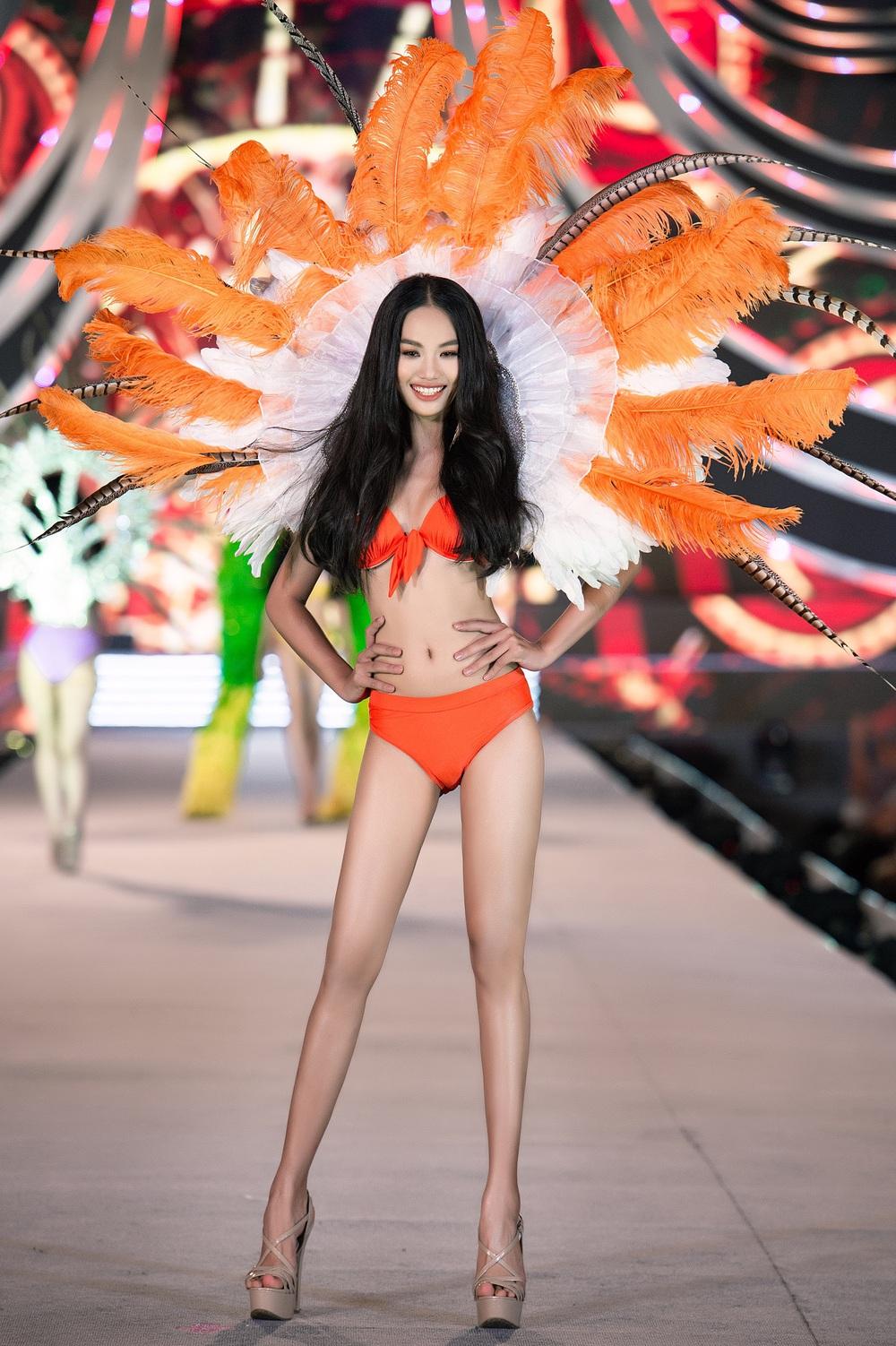 Thí sinh Hoa hậu Việt Nam 2020 trình diễn bikini bốc lửa - Ảnh 15.