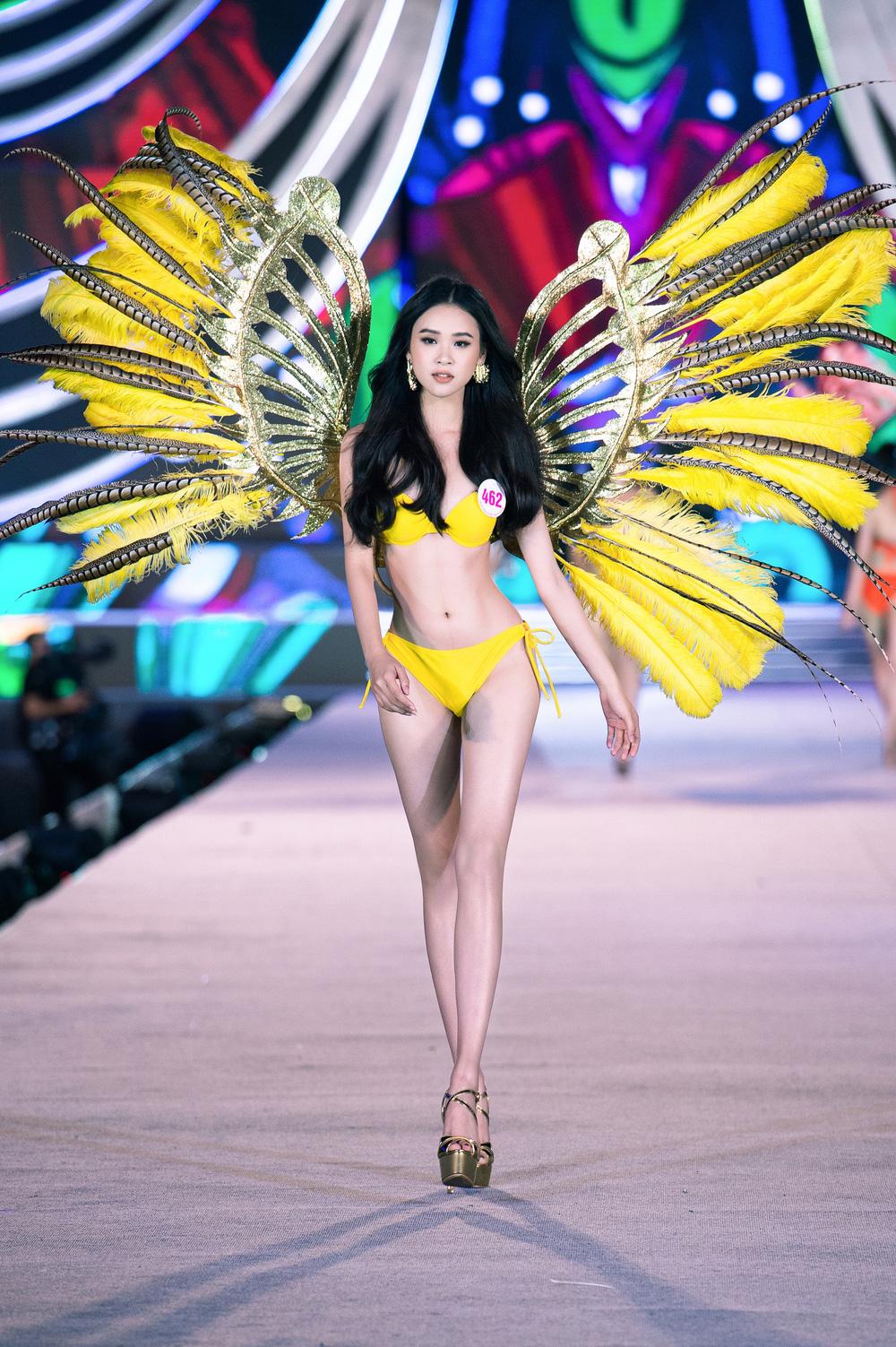 Thí sinh Hoa hậu Việt Nam 2020 trình diễn bikini bốc lửa - Ảnh 9.