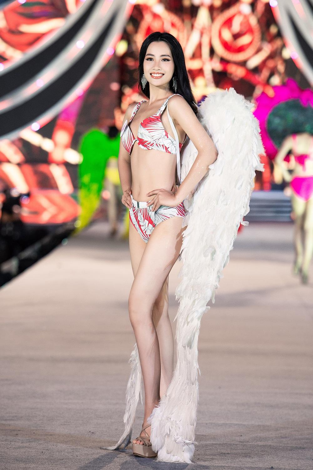 Thí sinh Hoa hậu Việt Nam 2020 trình diễn bikini bốc lửa - Ảnh 18.