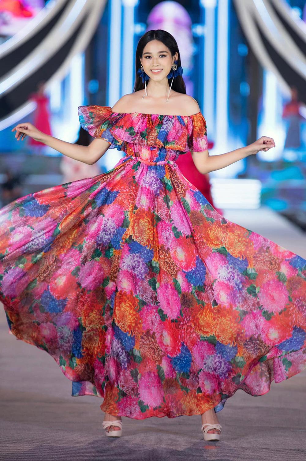 Hành trình từ nữ sinh Thanh Hóa đến tân Hoa hậu Việt Nam 2020 của Đỗ Thị Hà - Ảnh 13.