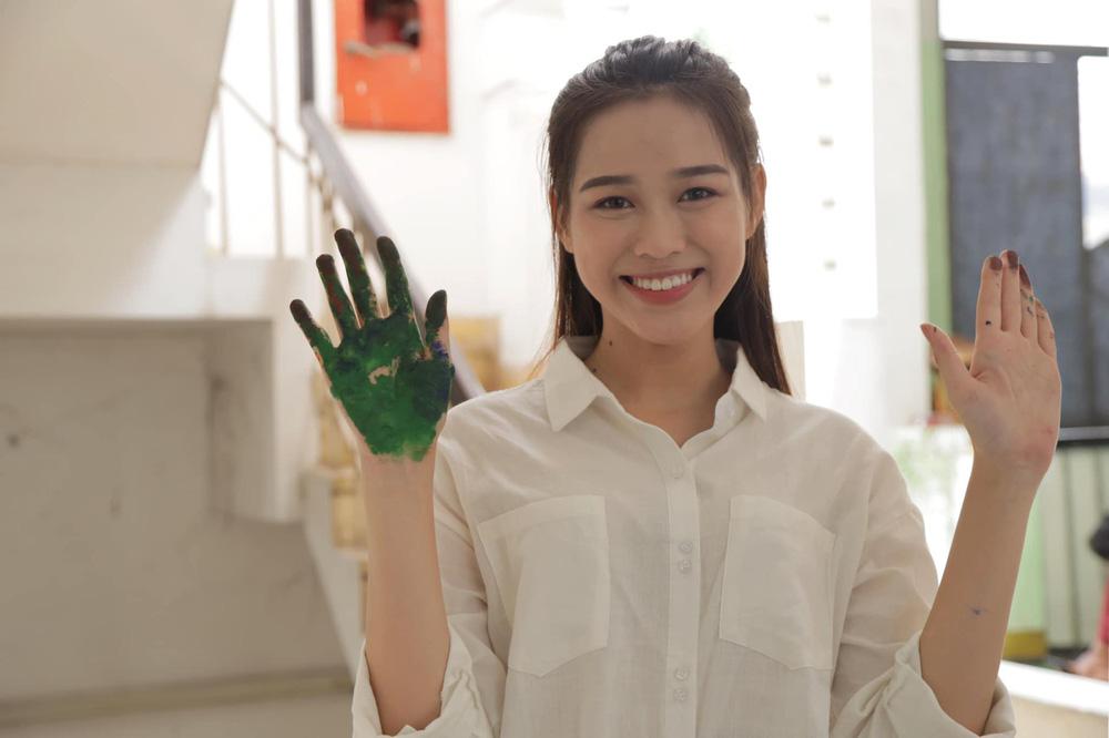 Hành trình từ nữ sinh Thanh Hóa đến tân Hoa hậu Việt Nam 2020 của Đỗ Thị Hà - Ảnh 4.