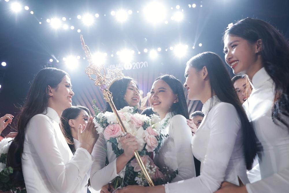 Hành trình từ nữ sinh Thanh Hóa đến tân Hoa hậu Việt Nam 2020 của Đỗ Thị Hà - Ảnh 22.