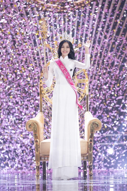 Hành trình từ nữ sinh Thanh Hóa đến tân Hoa hậu Việt Nam 2020 của Đỗ Thị Hà - Ảnh 20.