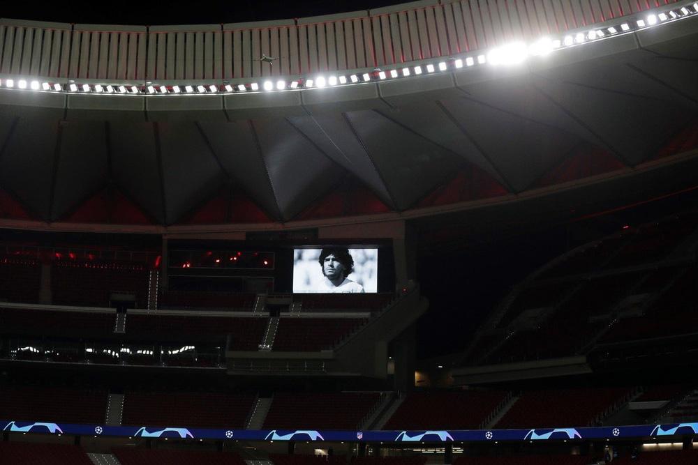 Khắp nơi trên thế giới tưởng niệm Diego Maradona - Ảnh 14.
