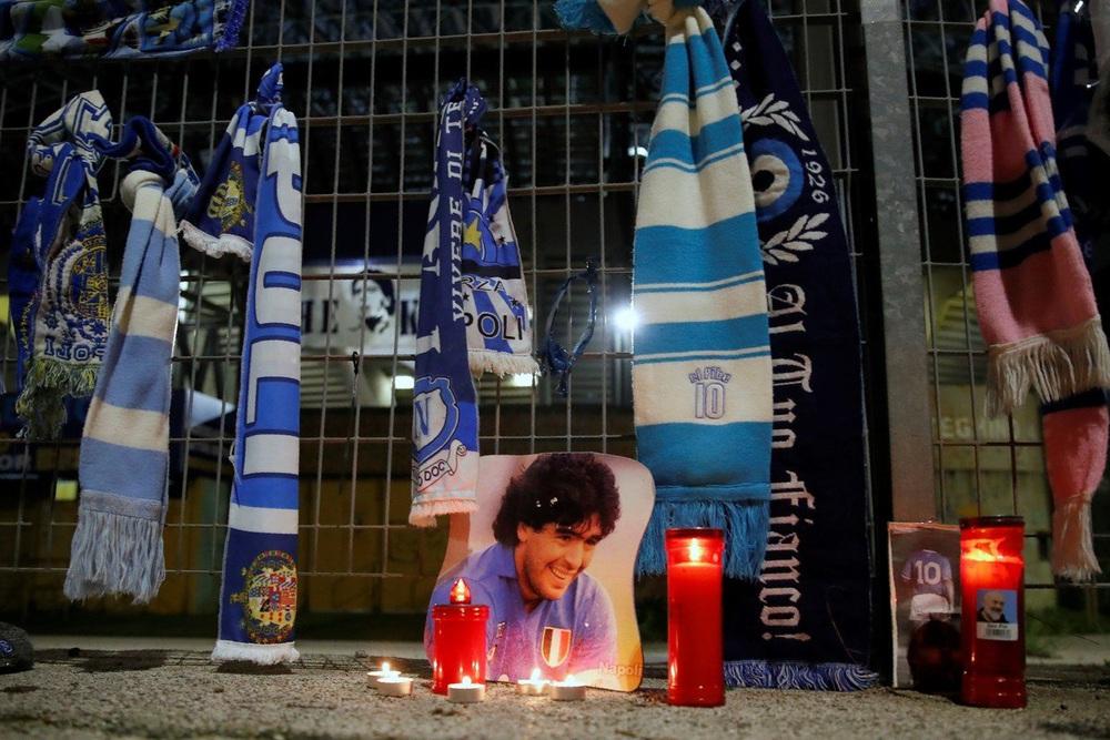 Khắp nơi trên thế giới tưởng niệm Diego Maradona - Ảnh 6.