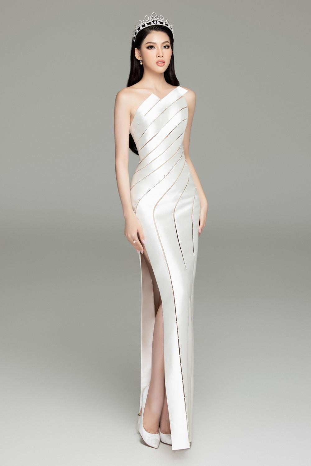 Hoa hậu Đỗ Thị Hà đọ sắc bên hai Á hậu sau 1 tháng đăng quang - Ảnh 13.
