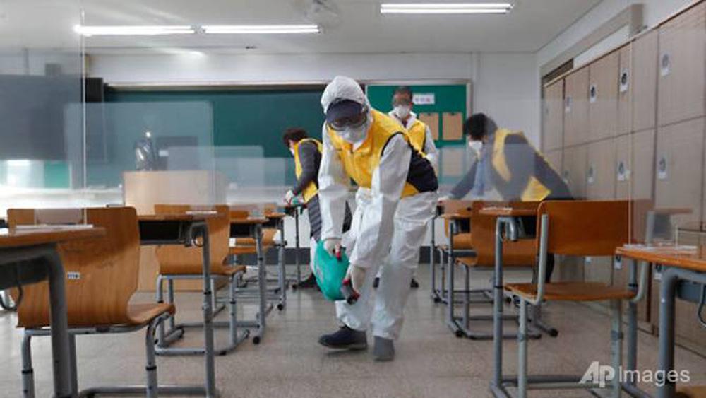 Kỳ thi Đại học rất khác lạ vì COVID-19 tại Hàn Quốc - Ảnh 7.
