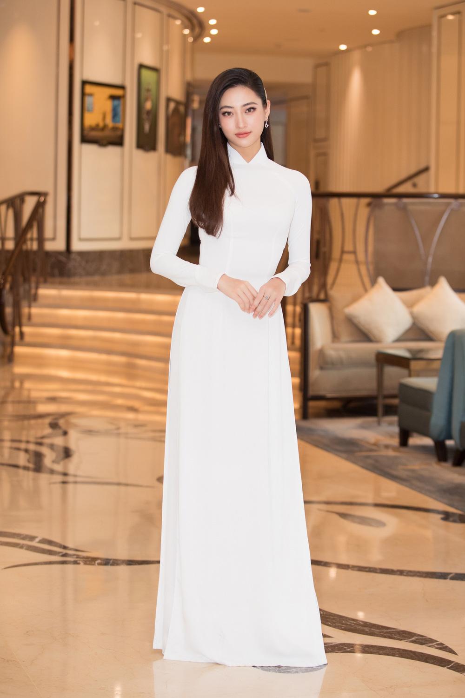 Vì sao dàn người đẹp đồng loạt diện áo dài trắng tại họp báo Hoa hậu Việt Nam 2020? - Ảnh 8.