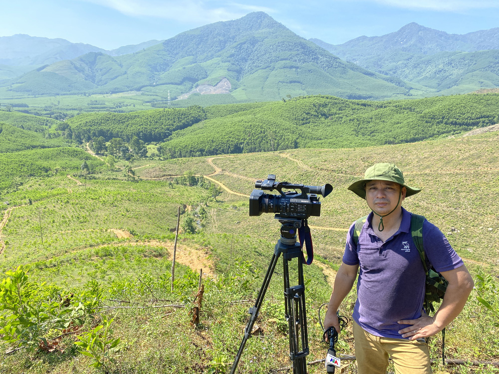 Vệt phóng sự về bảo tồn động vật hoang dã: Phỏng vấn hơn 50 người, không dùng camera giấu kín - Ảnh 1.