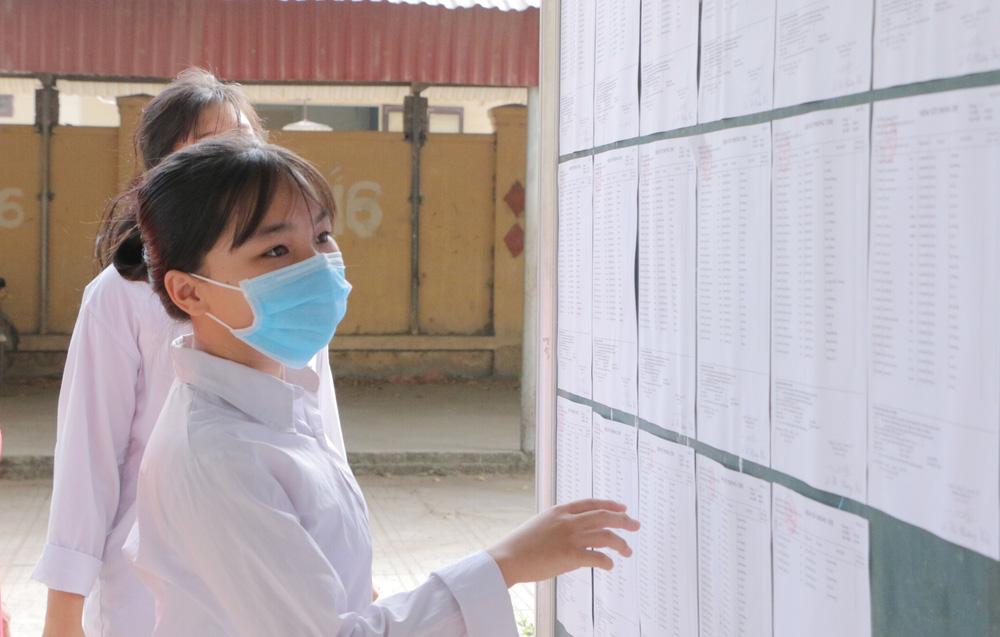 Hôm nay (16/7), gần 89.000 thí sinh làm thủ tục dự thi vào lớp 10 năm 2020 tại Hà Nội - Ảnh 2.