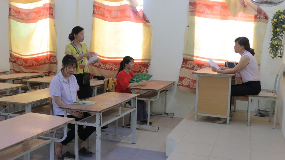 Hôm nay (16/7), gần 89.000 thí sinh làm thủ tục dự thi vào lớp 10 năm 2020 tại Hà Nội - Ảnh 3.