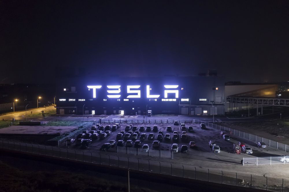 Đánh bại COVID-19, cho Toyota hít khói: Elon Musk đã làm gì với Tesla? - Ảnh 6.
