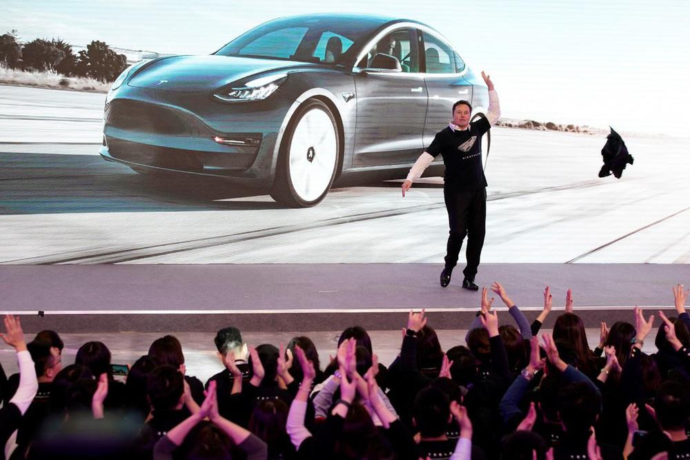 Đánh bại COVID-19, cho Toyota hít khói: Elon Musk đã làm gì với Tesla? - Ảnh 3.