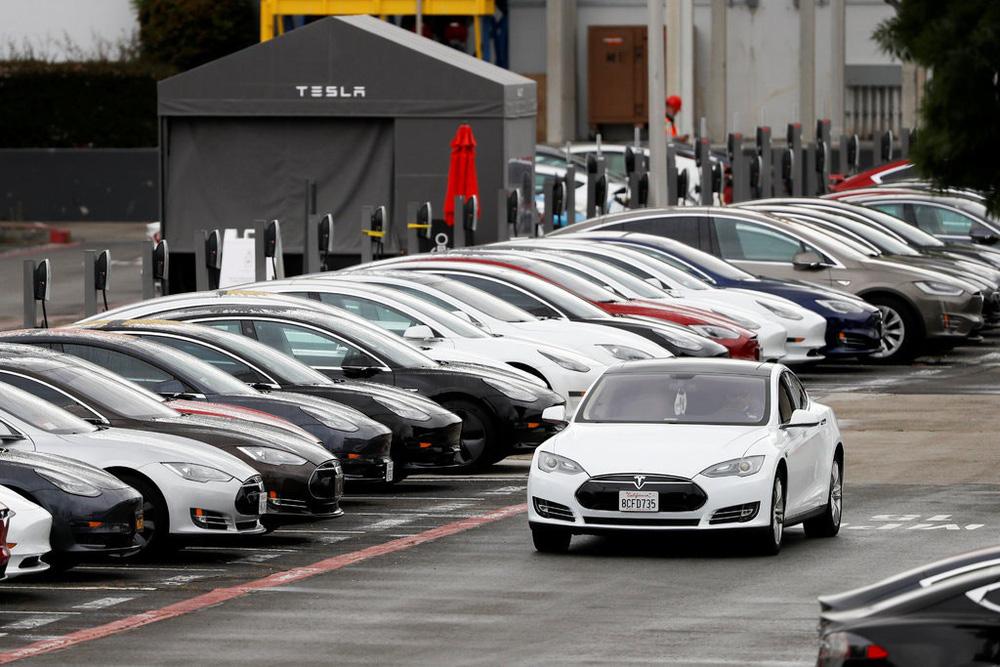 Đánh bại COVID-19, cho Toyota hít khói: Elon Musk đã làm gì với Tesla? - Ảnh 2.