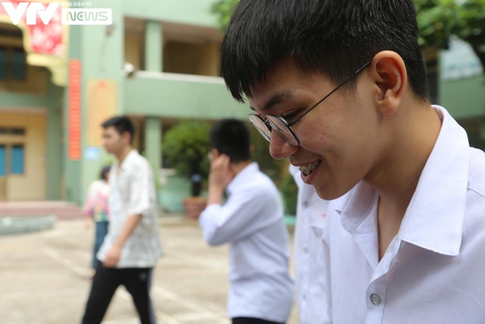 """Ngôi trường THPT giữa Hà Nội """"hoài cổ"""" nói không với điện thoại, lớp nam nữ riêng biệt - Ảnh 11."""