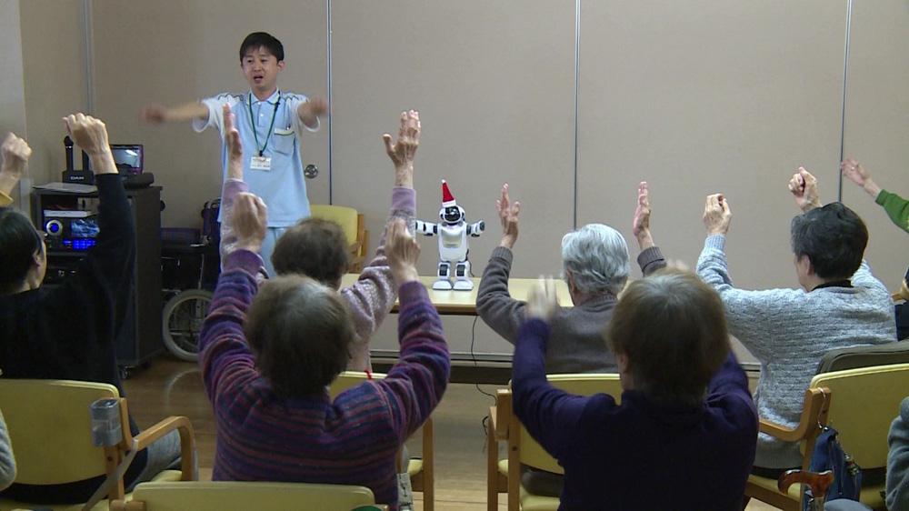 Robot thú cưng đem lại sức sống người già đơn thân tại Nhật Bản như thế nào? - ảnh 3