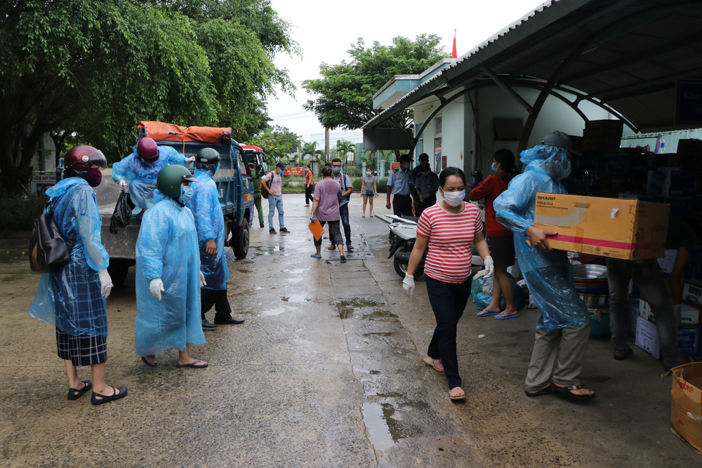Bệnh viện dã chiến đầu tiên tại Đà Nẵng sẵn sàng tiếp nhận bệnh nhân COVID-19 - Ảnh 9.