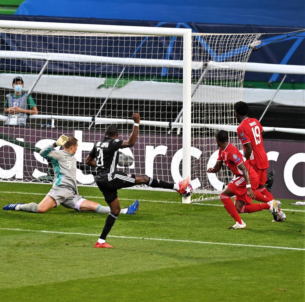 ẢNH: Gnabry rực sáng, Bayern Munich thắng thuyết phục Lyon ở bán kết Champions League - Ảnh 4.