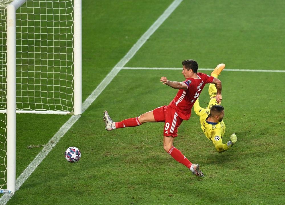 ẢNH: Gnabry rực sáng, Bayern Munich thắng thuyết phục Lyon ở bán kết Champions League - Ảnh 10.