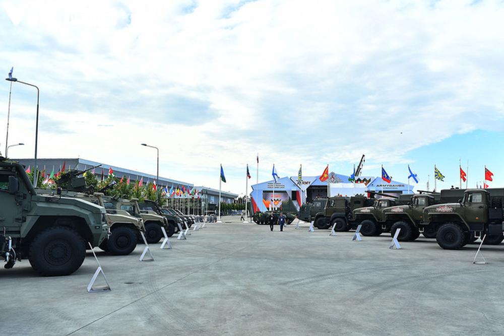 Ngắm dàn vũ khí tối tân bên lề Army Games 2020 ở Nga - Ảnh 29.