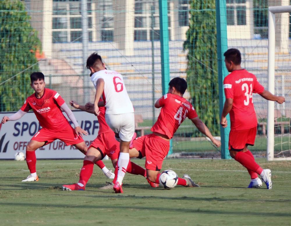 U22 Việt Nam hoà 2-2 CLB Viettel trong trận đấu tập cuối cùng - Ảnh 15.