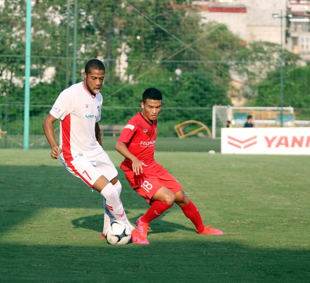 U22 Việt Nam hoà 2-2 CLB Viettel trong trận đấu tập cuối cùng - Ảnh 14.