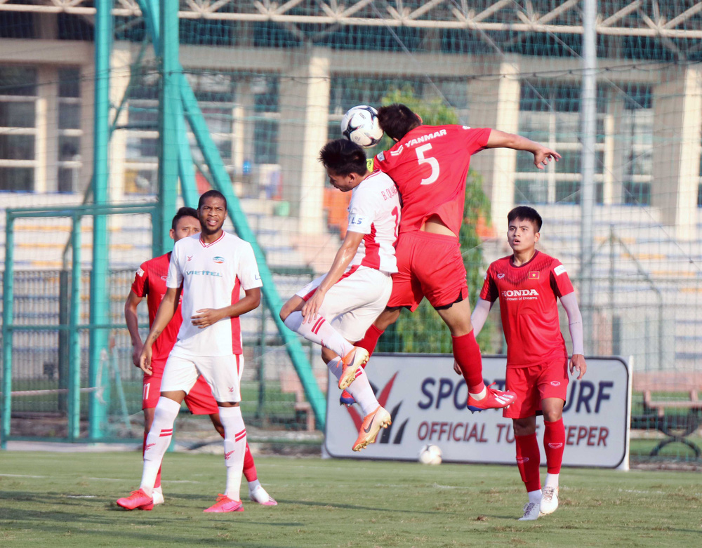 U22 Việt Nam hoà 2-2 CLB Viettel trong trận đấu tập cuối cùng - Ảnh 1.