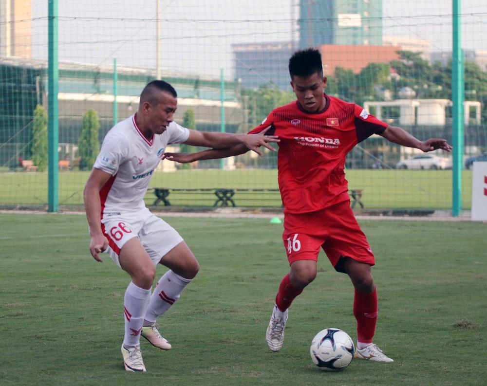 U22 Việt Nam hoà 2-2 CLB Viettel trong trận đấu tập cuối cùng - Ảnh 12.