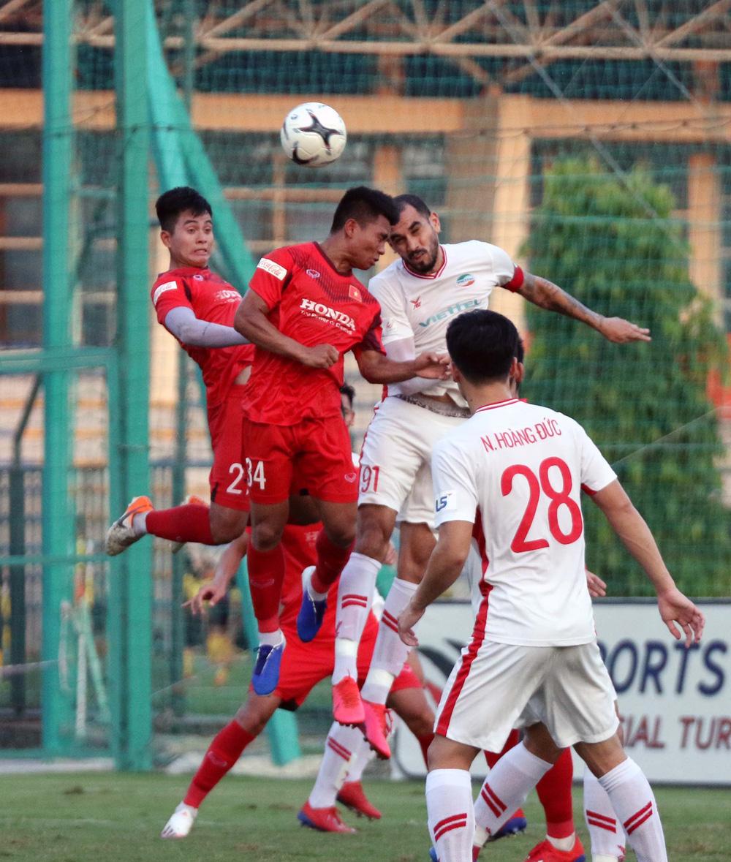 U22 Việt Nam hoà 2-2 CLB Viettel trong trận đấu tập cuối cùng - Ảnh 10.