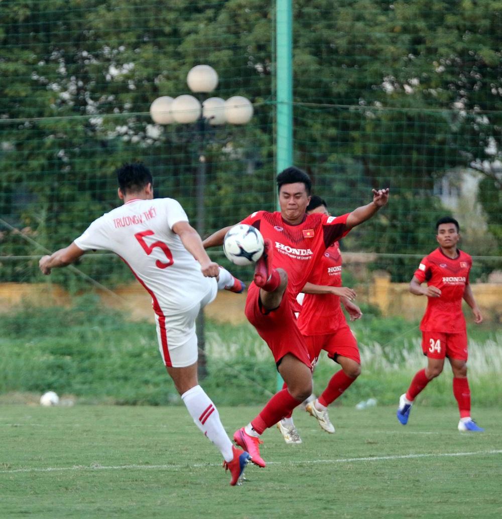 U22 Việt Nam hoà 2-2 CLB Viettel trong trận đấu tập cuối cùng - Ảnh 2.