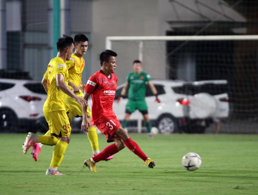 U22 Việt Nam hoà 2-2 CLB Viettel trong trận đấu tập cuối cùng - Ảnh 4.