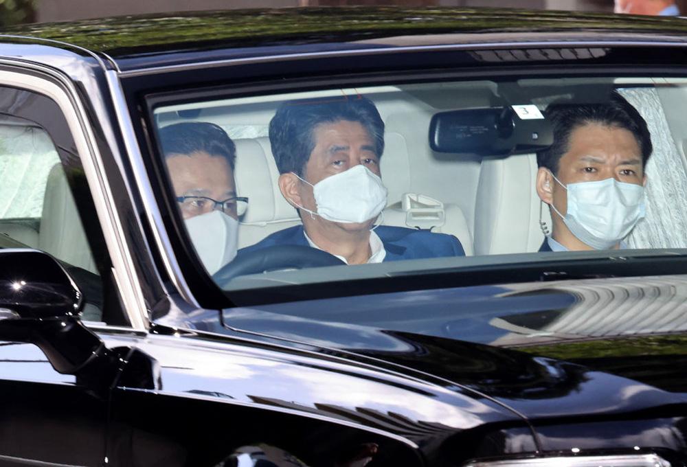 Thủ tướng Nhật Bản Abe Shinzo từ chức - Di sản của ông để lại là gì? - Ảnh 1.