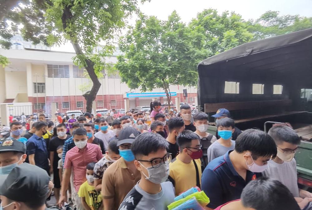 CLB Viettel – CLB Hà Nội: Khán giả nô nức đến sân Hàng Đẫy xem trận chung kết Cúp Quốc gia 2020 - Ảnh 6.