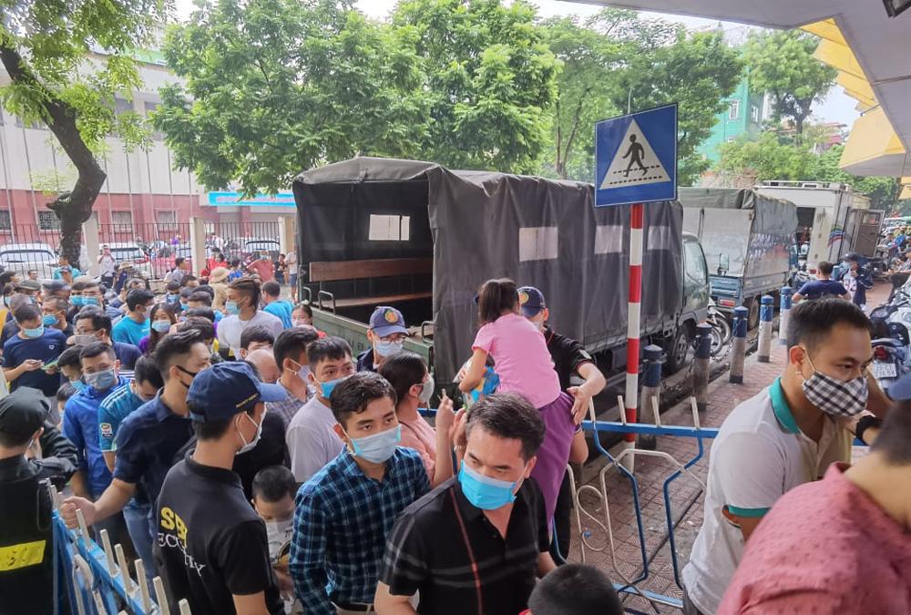 CLB Viettel – CLB Hà Nội: Khán giả nô nức đến sân Hàng Đẫy xem trận chung kết Cúp Quốc gia 2020 - Ảnh 5.