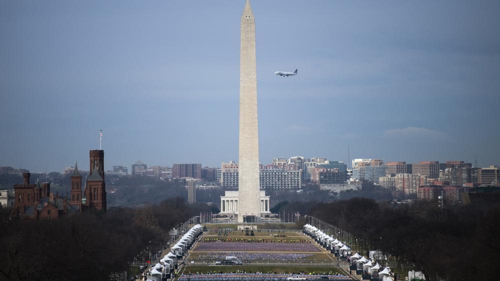 Nước Mỹ trước giờ phút chuyển giao quyền lực giữa hai đời Tổng thống - Ảnh 1.