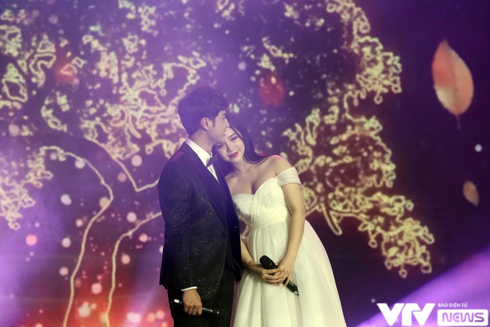 Quỳnh Kool hóa cô dâu e ấp bên chú rể Thanh Sơn - Ảnh 5.