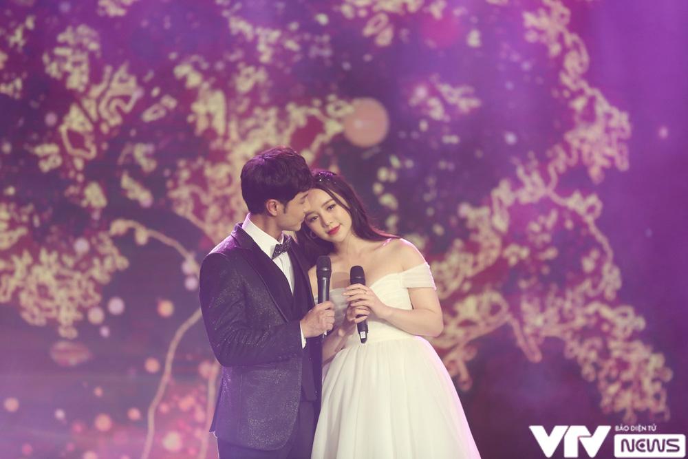 Quỳnh Kool hóa cô dâu e ấp bên chú rể Thanh Sơn - Ảnh 7.