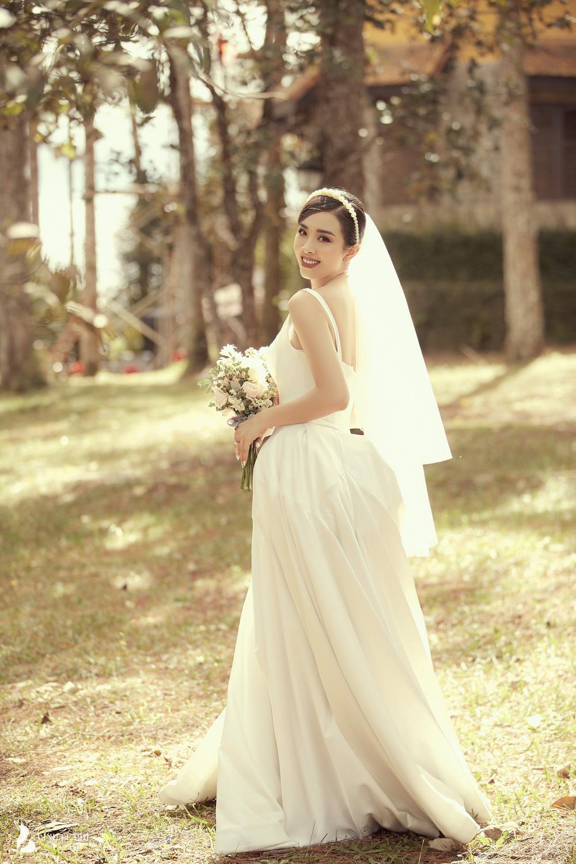 Ảnh cưới tại Đà Lạt ngọt hơn mật của Á hậu Thúy An - Ảnh 11.