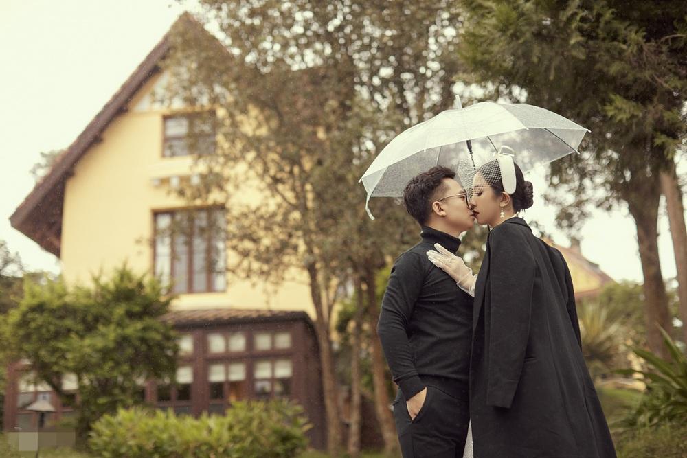 Ảnh cưới tại Đà Lạt ngọt hơn mật của Á hậu Thúy An - Ảnh 14.
