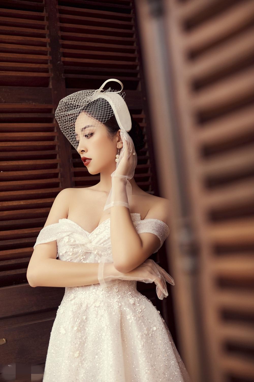 Ảnh cưới tại Đà Lạt ngọt hơn mật của Á hậu Thúy An - Ảnh 13.